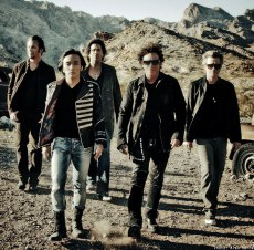 Journey _Band with Arnel Pineda (8)