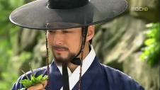 Dong_Yi_Episode_46_English_Sub_Korean_Drama_dong_yi___46_part_1.flv_snapshot_17.08_[2013.07.27_12.43.56]