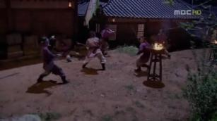 12. Jumong traces Buyoung and goes to get her, alone