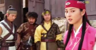 20. Soseono is jealous that Jumong withdraws from the competition because of Buyoung.