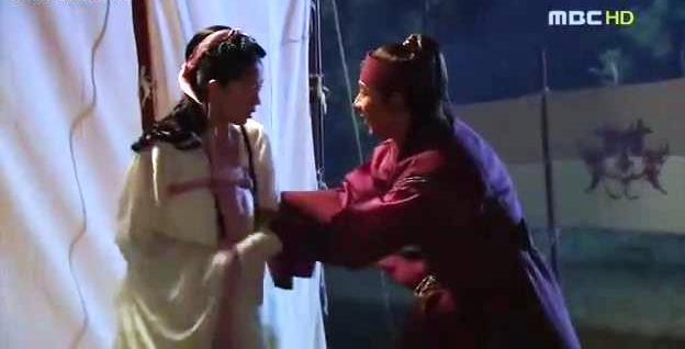 Jumong catches up with Buyoung after missing her for a year.