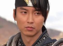 Mr. Kim Nam Gil as the complex character Bidam