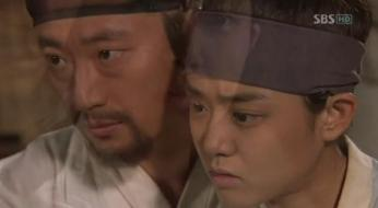 g.  Dan Won helps Yun Bok heal by painting _Painter of the Wind (2)