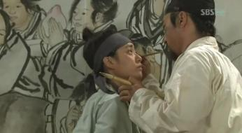 g.  Dan Won helps Yun Bok heal by painting _Painter of the Wind (9)