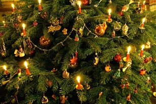 2.  Christmas tree decors